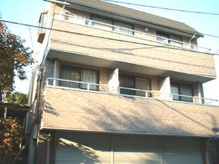駒沢大学駅徒歩3分の好立地!大型ワンルーム、賃料10万円(管理費5,000円)の登場です。14帖の広い空間をご堪能下さい!