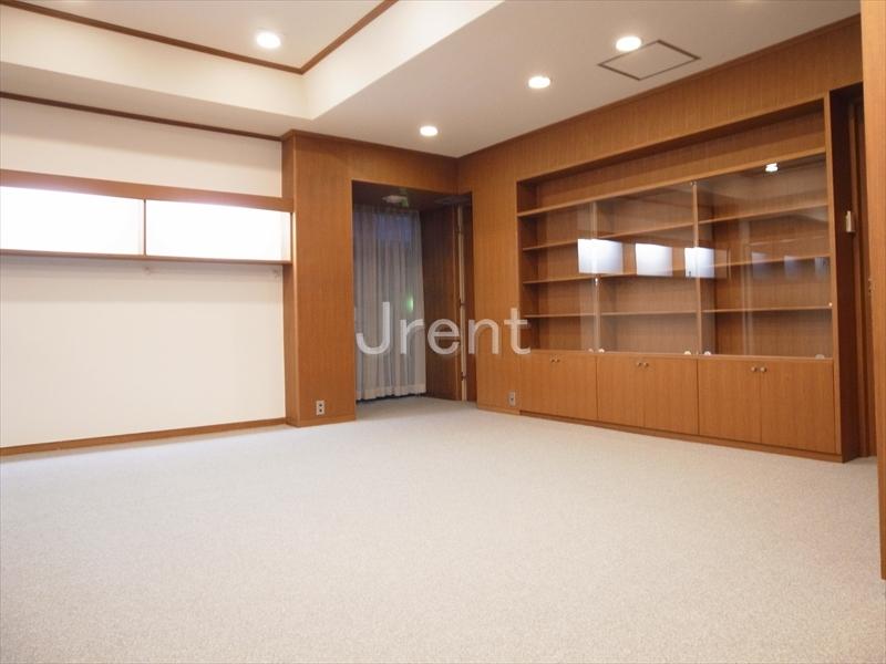 駒沢大学駅から歩いて5分の事務所・店舗物件